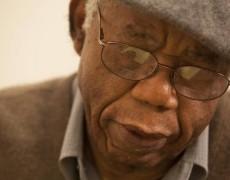 Binyavanga Wainaina ricorda Chinua Achebe