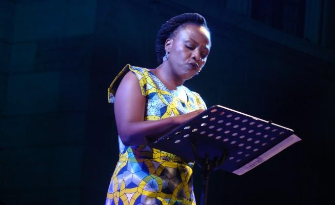 Lola Shoneyin legge il suo testo inedito a Letterature 2015
