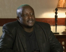 Wainaina: intervista su Al Jazeera. Rewriting Africa